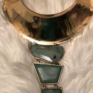 Choker style 3 stone necklace